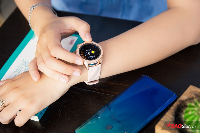Đánh giá Galaxy Watch: Không chỉ đẹp mà còn mang đến nhiều tiện ích bất ngờ! - Hình 1