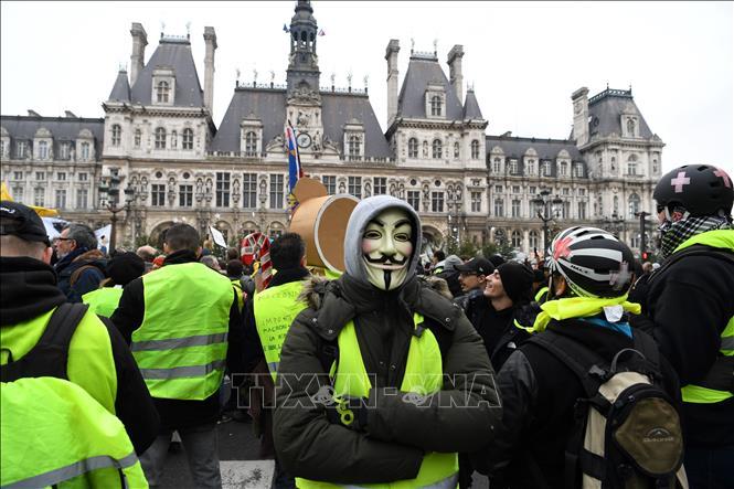 Hàng nghìn người Áo vàng lại biểu tình trên khắp nước Pháp - Hình 1