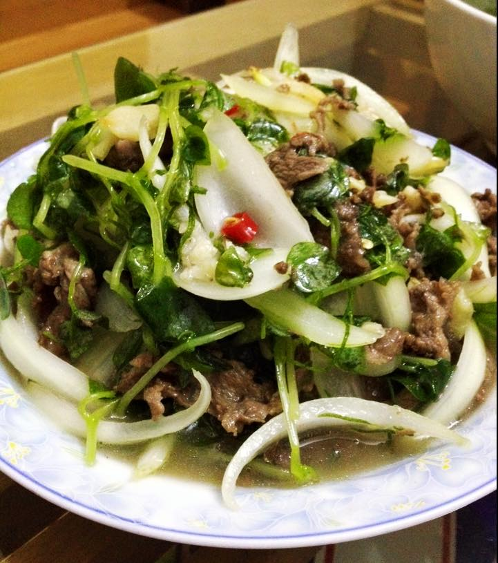 Đổi bữa với rau càng cua trộn thịt bò ngọt mát - Hình 1