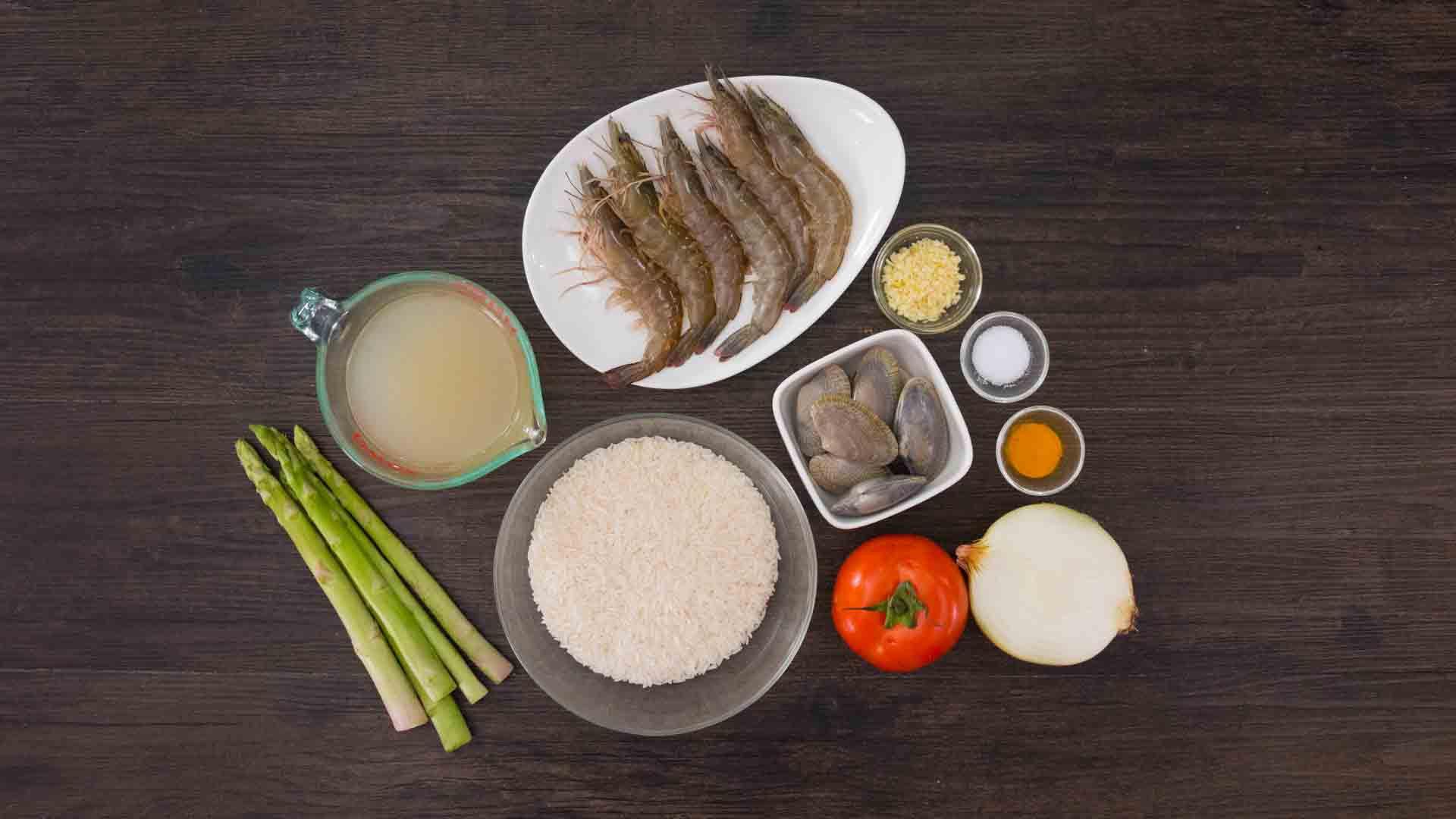 Học người Ý cách nấu cơm hải sản ngon ngất ngây ăn 1 lần là mê say - Hình 1