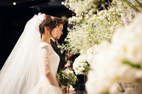 Phụ nữ muốn sống yên ổn, hạnh phúc, hãy nhớ kĩ 9 điều này trước khi về nhà chồng - Hình 1