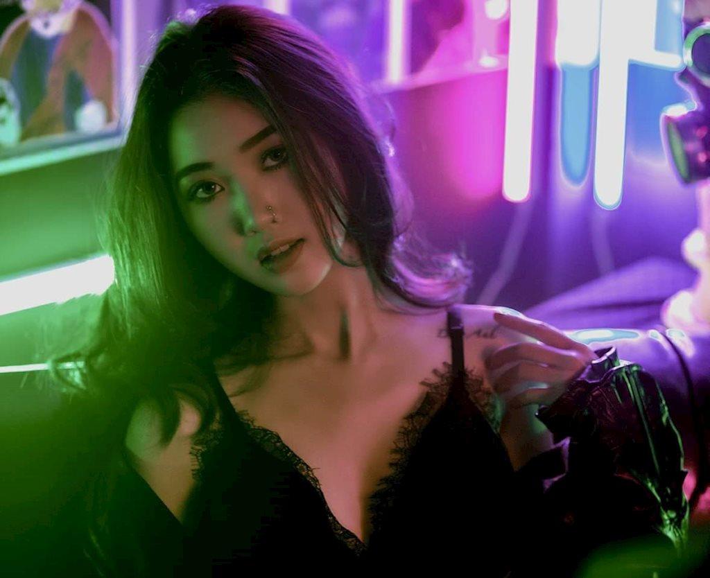 Hot girl Đại học Sư phạm lột xác trong bộ ảnh mới đầy cá tính - Hình 5