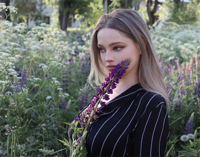 Môi thái vội được 2 đĩa nhưng cô gái này vẫn là chuẩn xinh của phụ nữ Nga - Hình 16