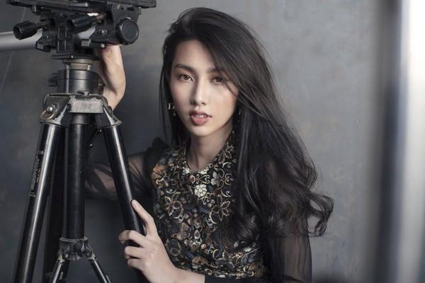 Hậu Miss International, Thùy Tiên khuôn trăng đầy đặn nét ngài nở nang đẹp nao lòng - Hình 1