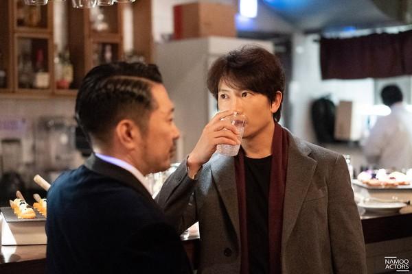 Lee Jun Ki thân thiết với Park Min Young và Ji Sung, cả hai đều là người tình màn ảnh của Park Seo Joon - Hình 2