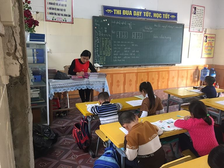 Nơm nớp học trong ngôi trường lúc nào cũng chờ...sập - Hình 1