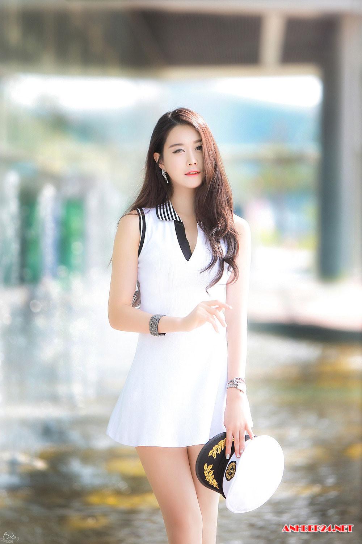 Chân dài Eun Ha Young xinh đẹp quyến rũ hết phần thiên hạ - Hình 4
