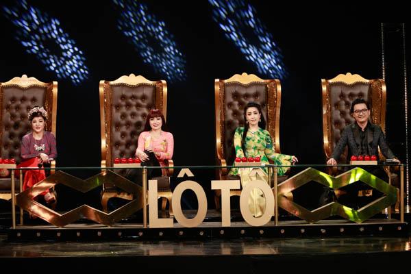 Danh hài Kiều Oanh và Thúy Nga cùng góp mặt trong Lô tô show - Gánh hát ngàn hoa - Hình 1