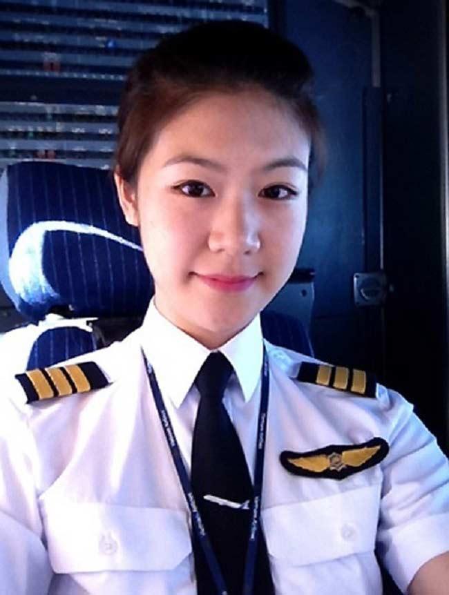 Nhan sắc của loạt nữ hoàng bầu trời Châu Á khiến mày râu ngơ ngẩn - Hình 14