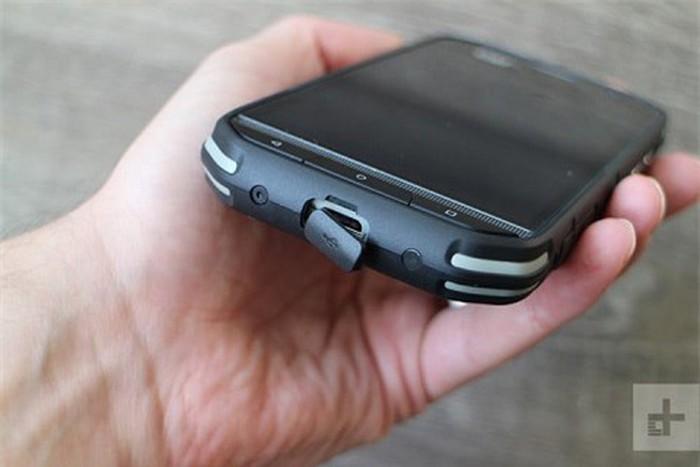 Phát thèm với smartphone nồi đồng cối đá pin 4000mAh, giá 480 USD - Hình 2