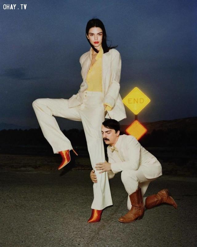 Thánh Photoshop trở lại và lợi hại hơn xưa với loạt ảnh thân tình cùng Kendall Jenner - Hài hước