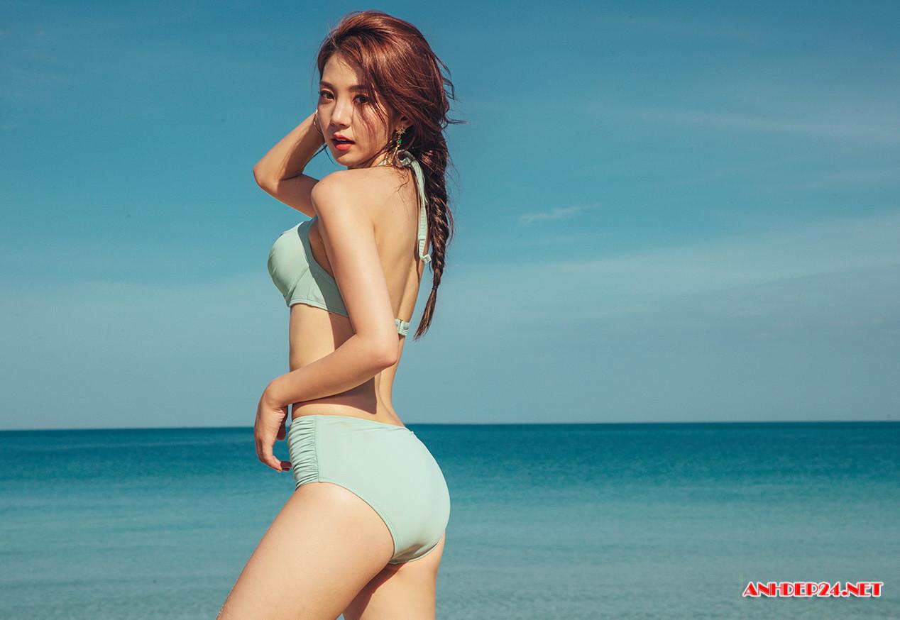 Người đẹp Lee Chae Eun khoe đường cong nuột nà với bikini - Hình 13