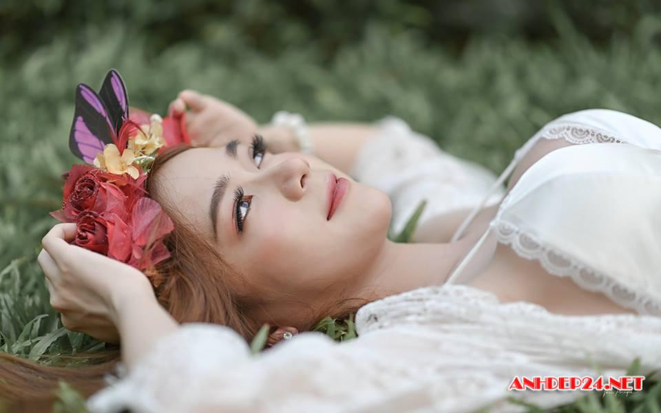 Hot girl Patthma Kumthuom eo thon dáng chuẩn khoe sắc cùng nàng xuân - Hình 10
