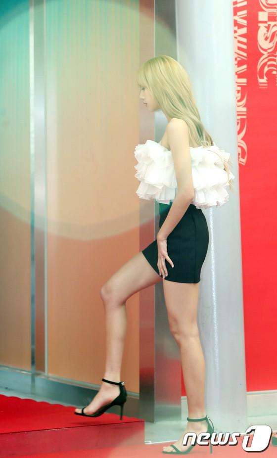 Thảm đỏ Grammy Hàn Quốc: Jennie lột xác nhưng suýt vồ ếch, mỹ nhân Black Pink lấn át cả Park Min Young và dàn idol - Hình 8