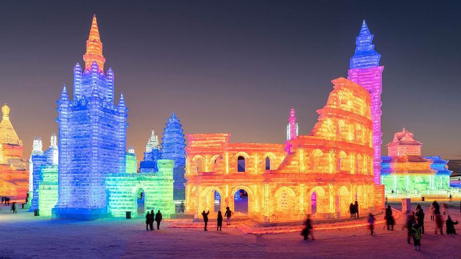 Trung Quốc bắt đầu lễ hội băng đăng lớn nhất thế giới - Du lịch