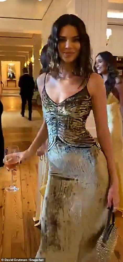 Kendall Jenner diện váy bó sát khoe dáng sexy ở đám cưới Justin Bieber - Hình 2