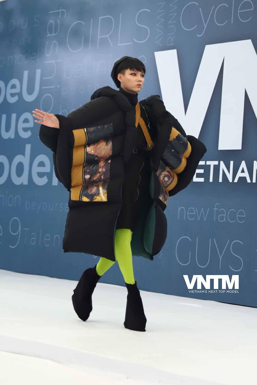 Vietnam's Next Top Model 2019: Nira (Chiếc lá cuốn bay), thỏ ngọc cùng ninja lead len lỏi sàn runway vòng casting phía Bắc  - Hình 1
