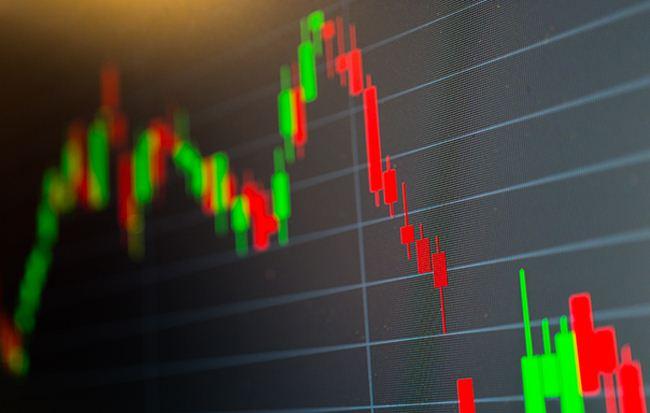 Các cổ phiếu bluechips thi nhau lao dốc - Hình 1