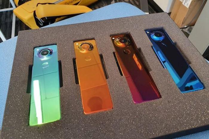 Cha đẻ Android tiết lộ mẫu smartphone mới với thiết kế độc lạ - Hình 2