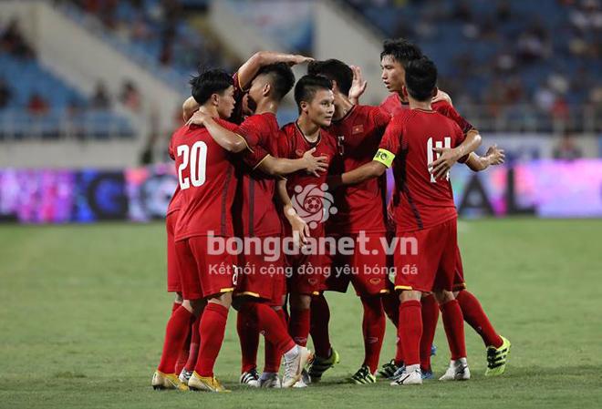 Đội hình ra sân chính thức Việt Nam vs Malaysia: Văn Toàn, Công Phượng đá chính - Hình 1