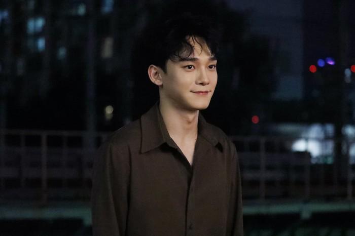 Fan tan chảy sau khi tìm hiểu lý do Chen (EXO) viết tên Xiumin trong hậu trường chụp ảnh comeback - Hình 1