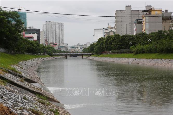 Giải pháp cấp nước tự chảy cho các sông nội thành Hà Nội - Hình 1