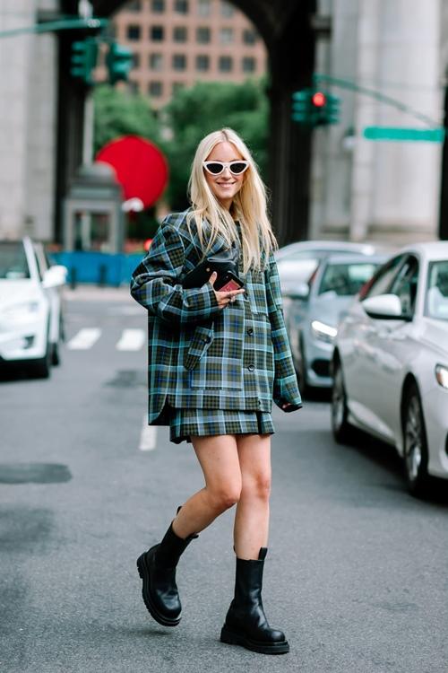 Gợi ý mặc đẹp mùa thu đông cho quý cô mê suit - Hình 3