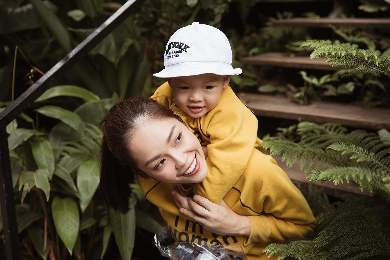 Không tiệc tùng linh đình, Dương Cẩm Lynh cùng con trai đón tuổi mới ở Đà Lạt - Hình 2