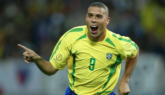 Mourinho: Cậu ấy còn tài năng hơn Ronaldo và Messi - Hình 1