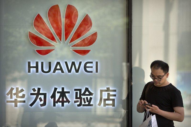 Mỹ sắp nới lỏng vòng kim cô cho Huawei - Hình 1