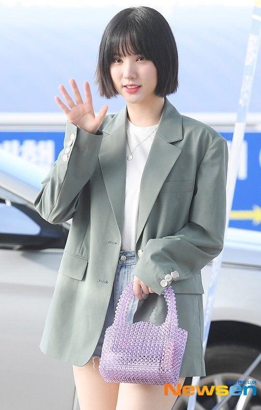 Sao Hàn mặc blazer: 5 công thức thường xuyên được sử dụng để diện thật trẻ trung chiếc áo đứng đắn này - Hình 2