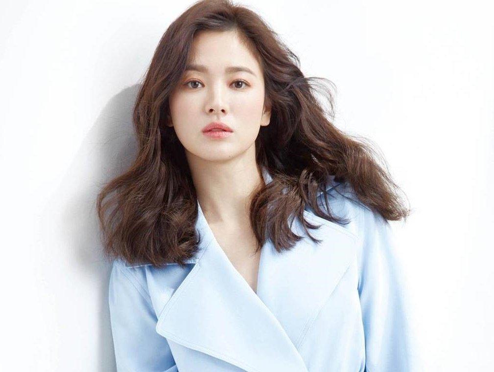 Song Hye Kyo được khen ngợi khi liên tục làm từ thiện - Hình 1