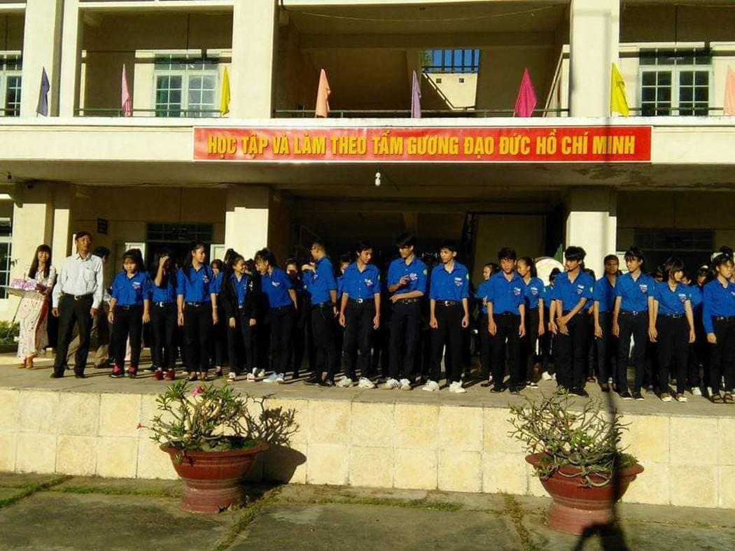 Trường Nguyễn Văn Linh đã trả lại một số khoản thu lạ cho học sinh - Hình 1