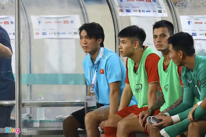 Tuấn Anh dính chấn thương sau 45 phút thi đấu trước Malaysia - Hình 1