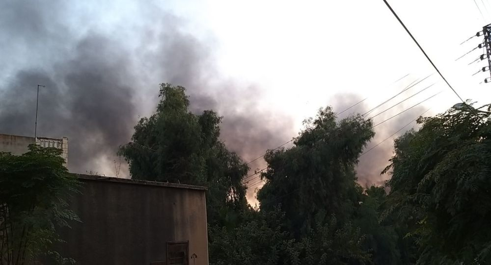 Video : Thị trấn Syria khói đen ngút trời sau đợt không kích của Thổ Nhĩ Kỳ - Hình 1