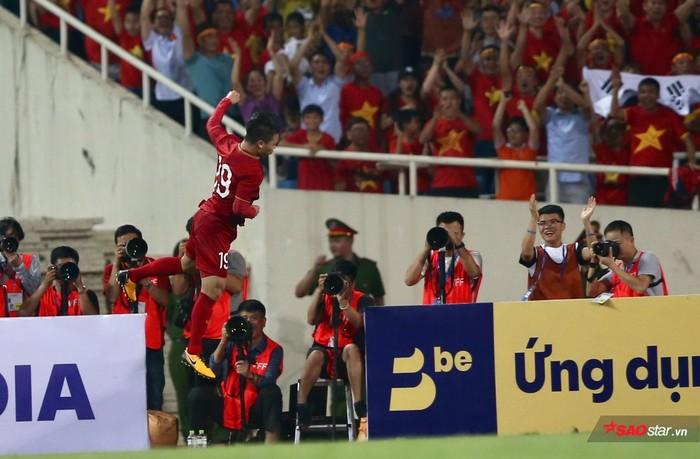 Việt Nam hạ Malaysia: Bản lĩnh nhà vô địch AFF Cup 2018! - Hình 1