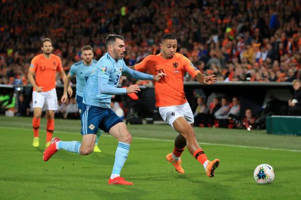 Hà Lan 3-1 Bắc Ailen: 14 phút điên rồ - Hình 1