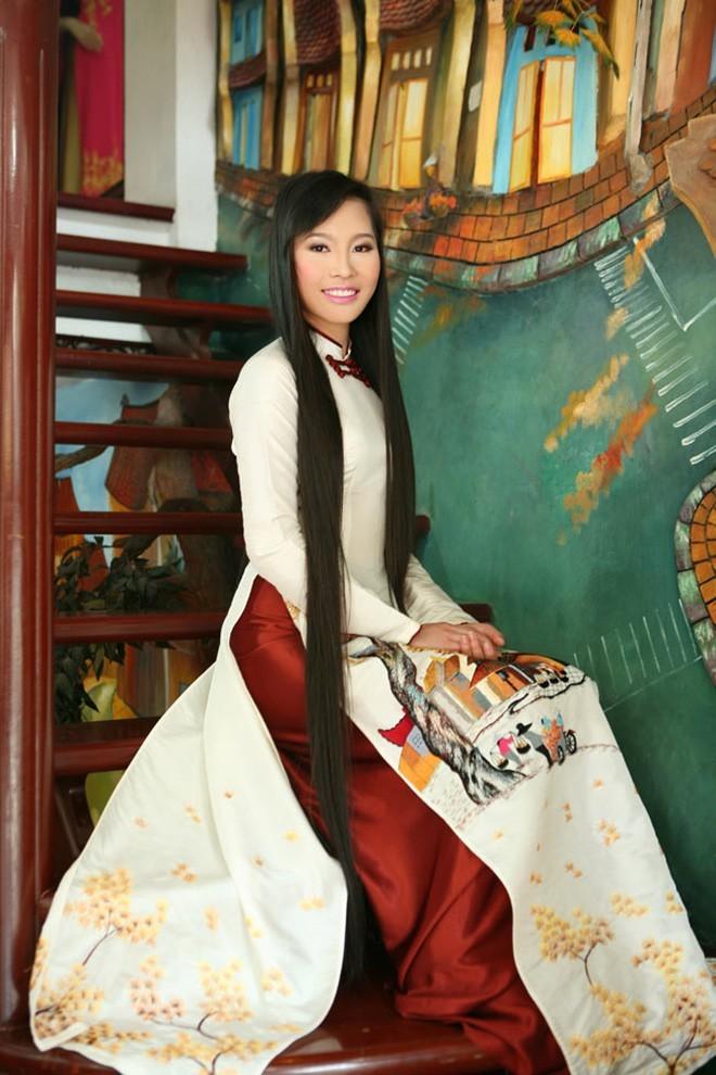 Vợ shark Hưng từng đạt giải Á hậu 1 tại cuộc thi sắc đẹp với mái tóc dài hơn 1 m đầy ấn tượng - Hình 4