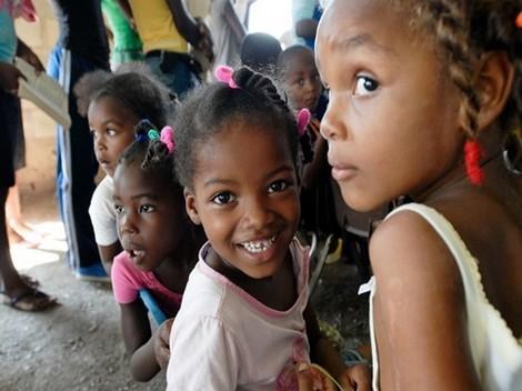 Bệnh lạ: Ngôi làng có các bé gái tự mọc bộ phận nhạy cảm của nam giới ở tuổi 12 - Hình 1