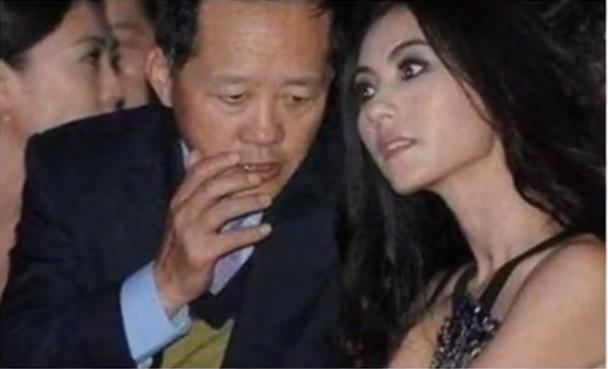 Ngã ngửa sự thật về tin đồn Trương Bá Chi được đại gia cầu hôn với nhẫn 1.700 tỷ, Tạ Đình Phong nổi điên phá đám - Hình 3