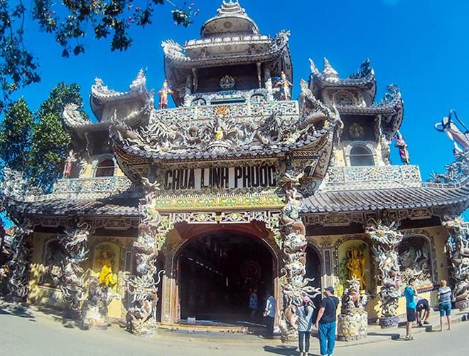 Chiêm ngưỡng vẻ đẹp của những ngôi đền, chùa kỳ lạ trên thế giới - Hình 2
