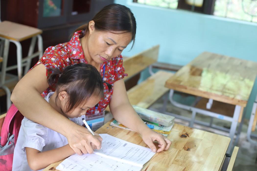 Cô giáo cắm bản, xóa mù chữ cho dân Kỳ Thượng - Hình 1