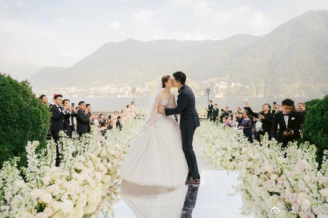 Đám cưới tráng lệ gây choáng của Thần tiên tỷ tỷ cạch mặt Angela Baby: Lễ đường và pháo hoa rợp trời siêu lãng mạn - Hình 2