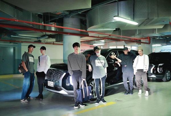 Fan nghi vấn hai thành viên BTS mua đồ đôi cho tình củm và đây là câu trả lời phũ phàng của Suga - Hình 2