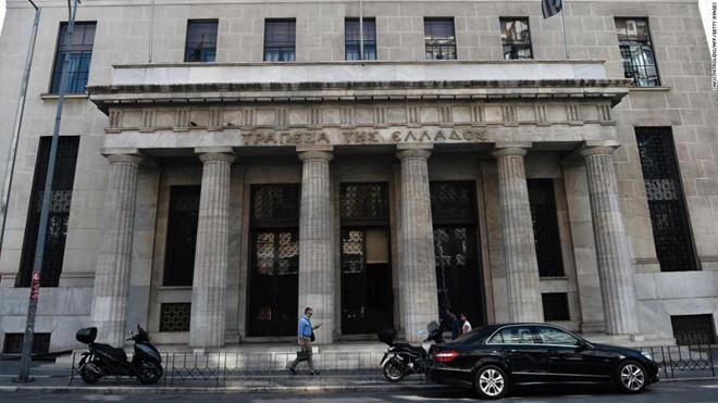 Giới đầu tư chấp nhập lãi suất âm để gửi tiền tại Hy Lạp - Hình 1