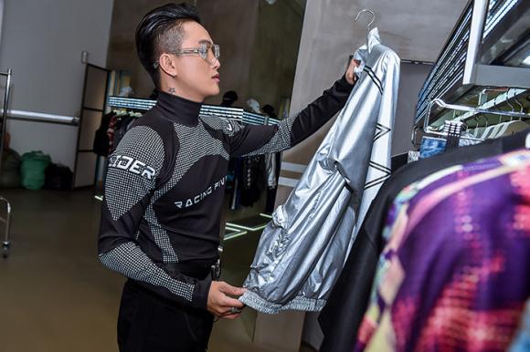 Không còn là thảm họa, cựu trưởng nhóm HKT xuất hiện khác lạ, lột xác bảnh bao chất ngất - Hình 2