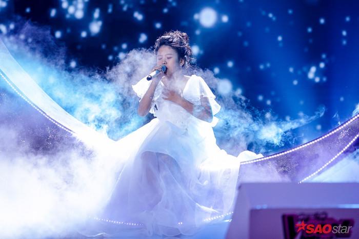 Mang kiệt tác thế giới lên sân khấu The Voice Kids, Bảo Hân bản lĩnh trưng trổ tài năng chuẩn Diva - Hình 2