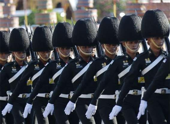 Quân phục quốc gia nào thiết kế đẹp, hầm hố nhất thế giới? - Hình 2