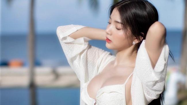 Rơi mác ngoan khi không mặc đồng phục nữ sinh, hot girl Thái Lan gợi cảm tột bậc - Hình 2