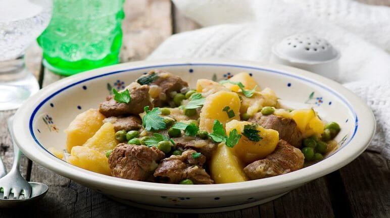 Thơm ngon và bổ dưỡng với món xào khoai tây hấp dẫn - Hình 1
